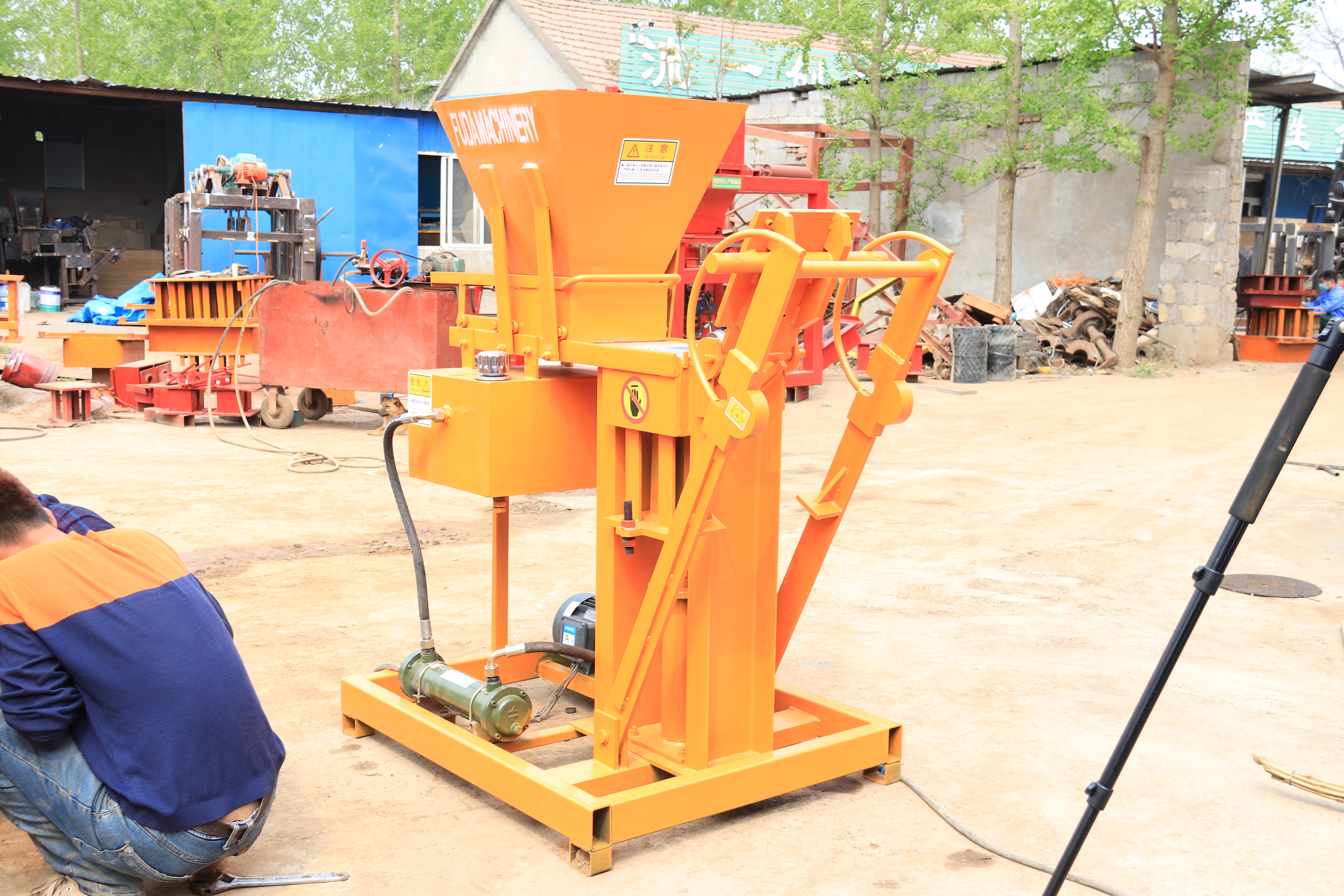 QT2-25 small clay soil block forming machine soil brick making machine manual soil brick making machine
